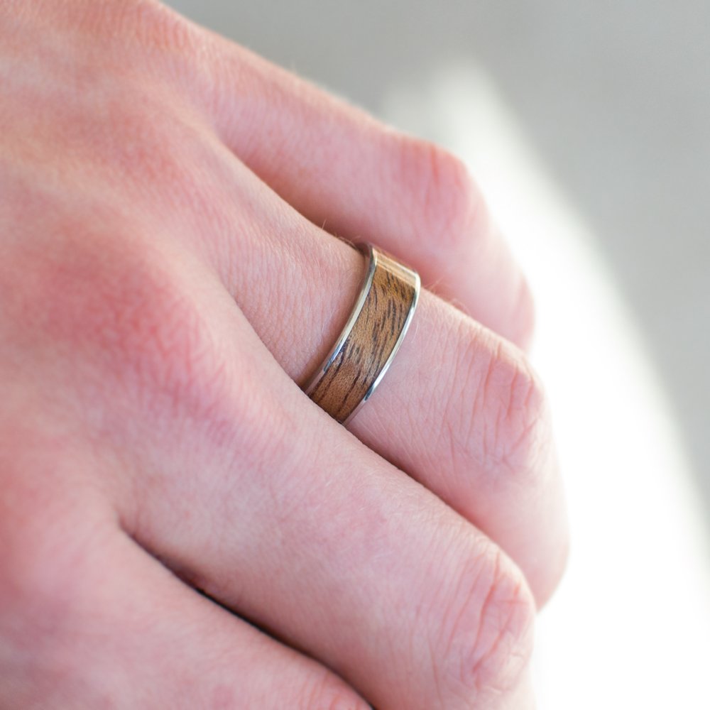 Gold And Wood Wedding Band In Mahogany - Casavir Jewelry